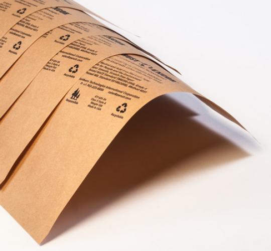 přířezy z antikorozního papíru