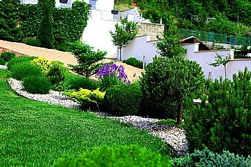 Zahradnictví Křeček Petr, okres Beroun, návrhy a projekce zahrad, realizace a dodávka materiálu