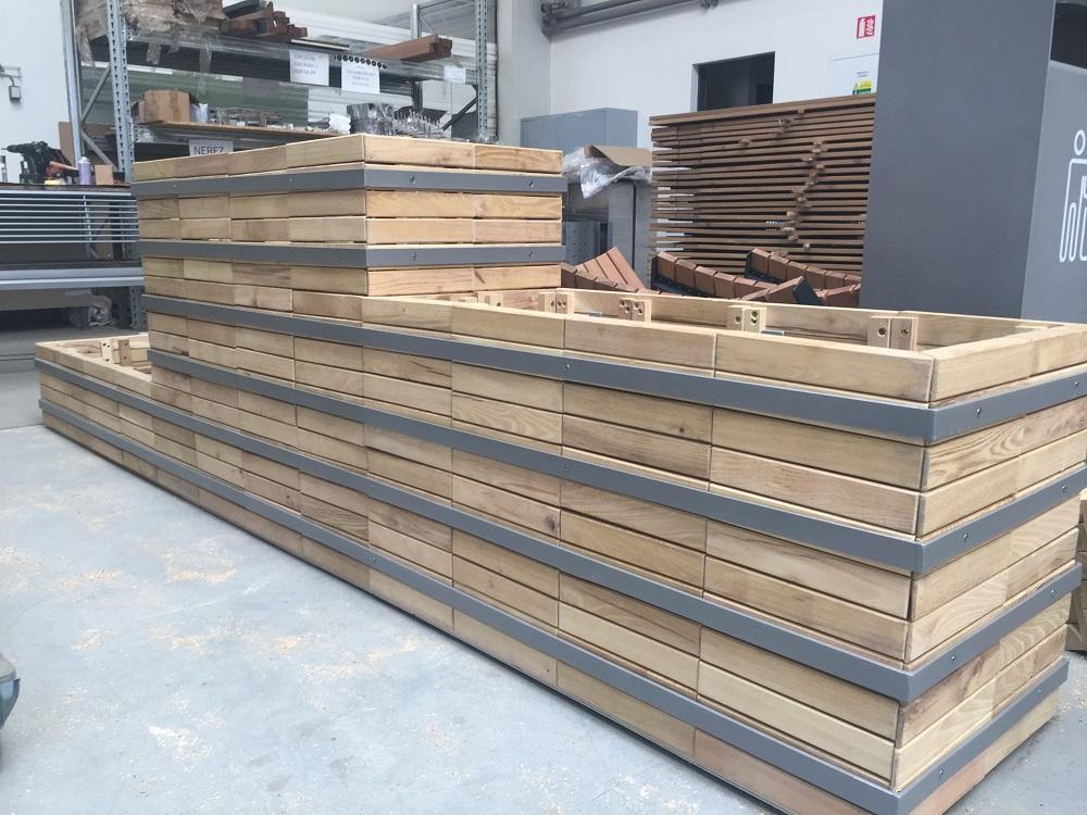 Selbstbewässerungstöpfe aus Holz für Freie, variable Beete Tschechische Republik
