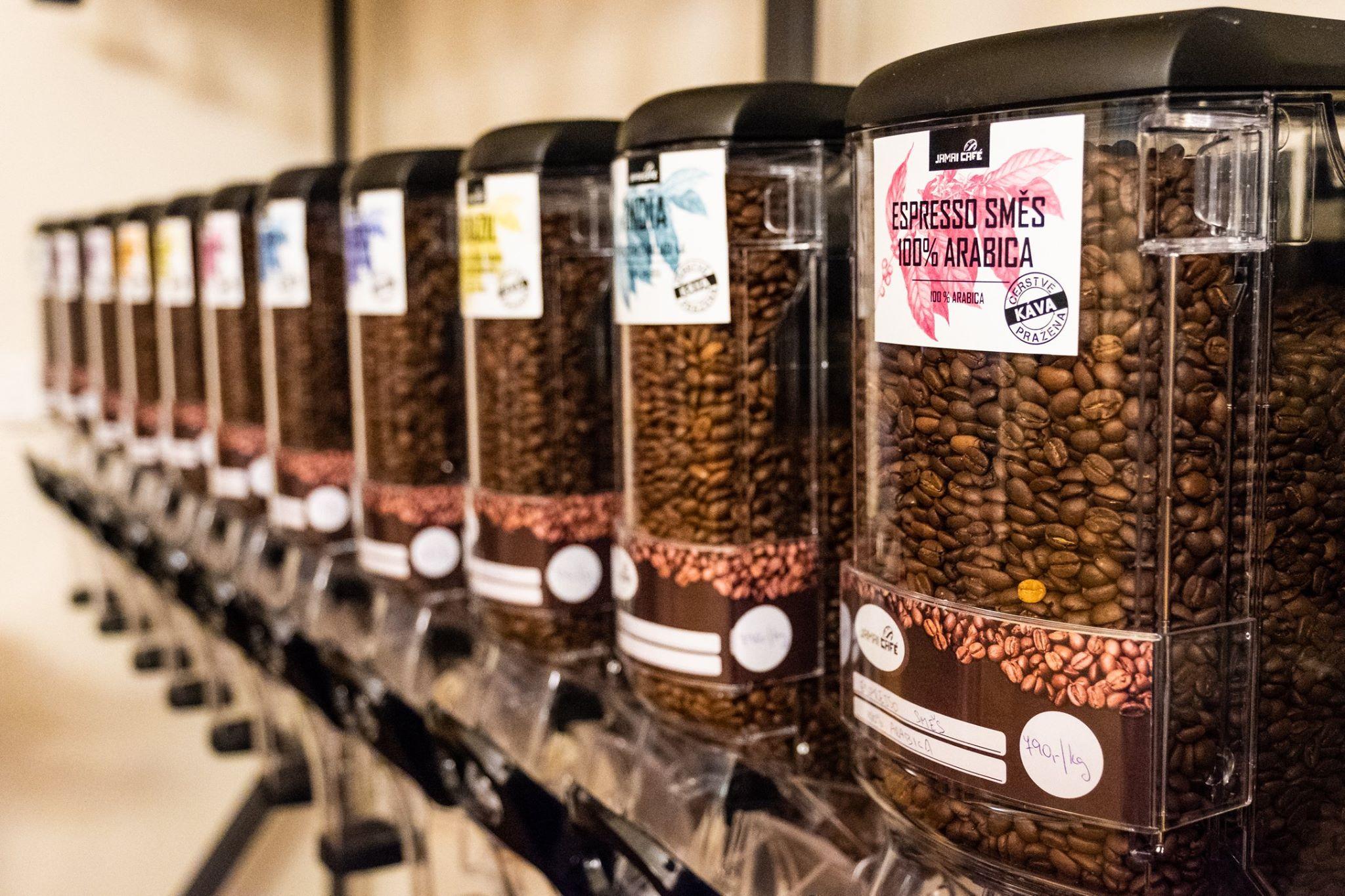 Pražírna kávy a kavárna - kvalitní čerstvá káva a dezert každý den