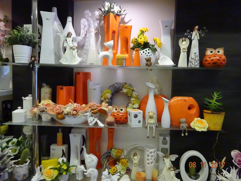 Květinové vazby, bytové doplňky, dekorace, keramika, dárkové zboží - prodej