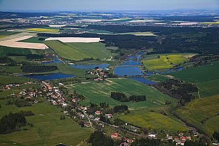 Obec Jedlová, vesnice na českomoravském pomezí, historie, příroda