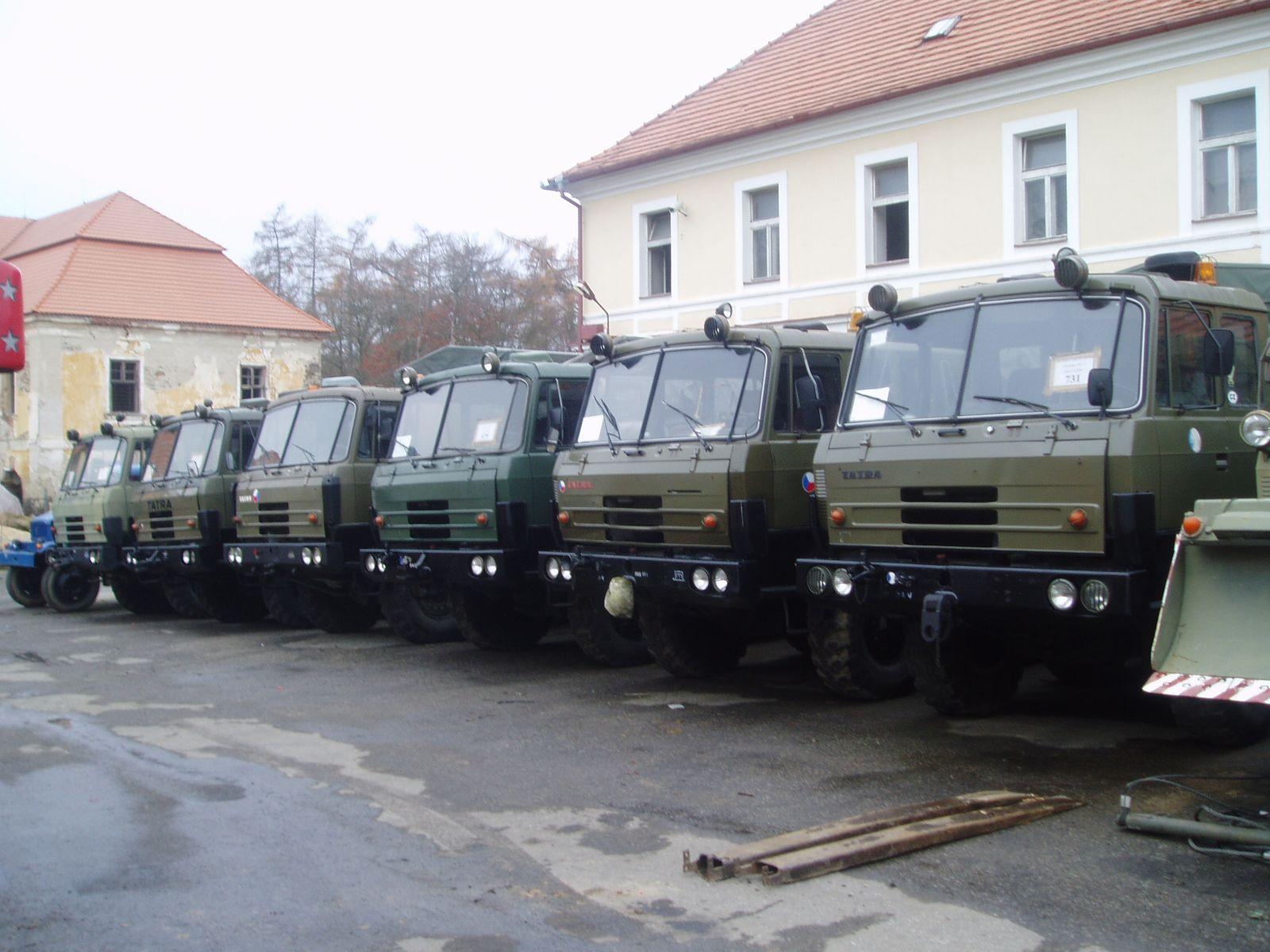 Velkoobchodní i maloobchodní prodej vojenského vybavení
