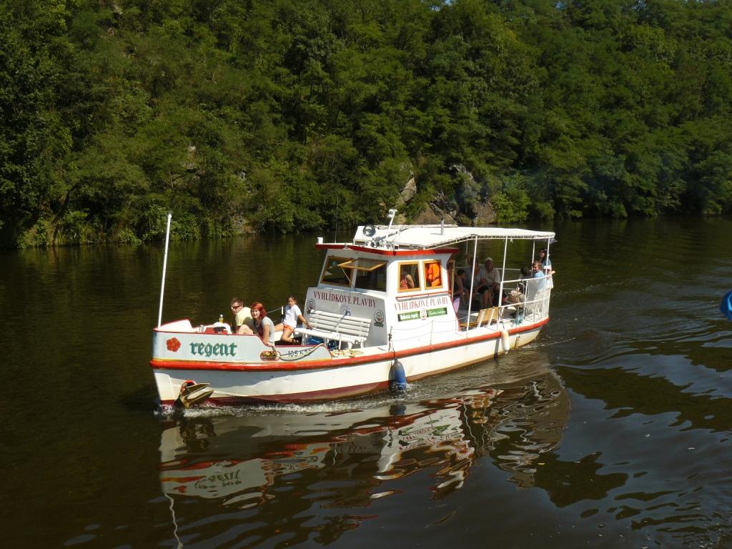 Vyhlídkové plavby Vltava, výletní lodní doprava včetně plavby do ZOO Hluboká nad Vltavou