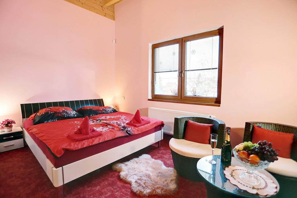 Ubytování pro manažery a pracovníky firem Mezirolí – jen 8 minut od Karlových Varů