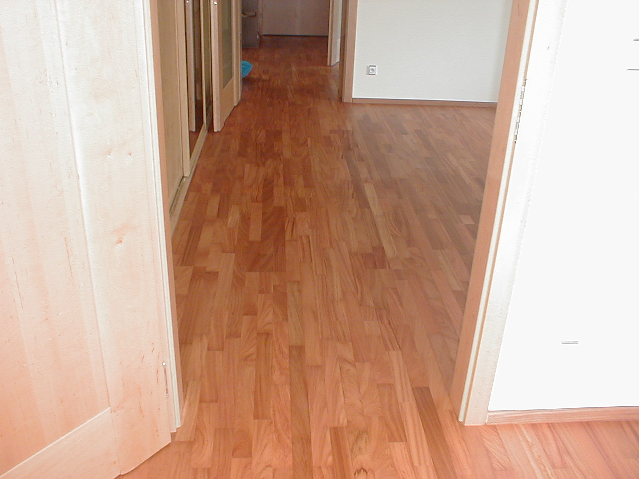 Dřevěné třívrstvé podlahy