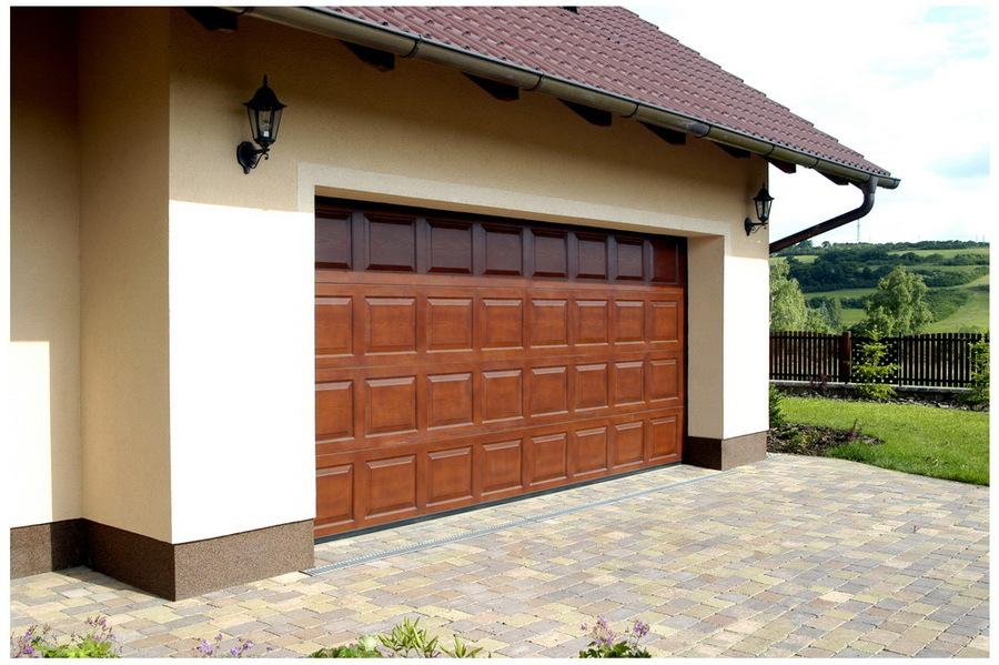 Garážová vrata - nové a vysoce kvalitní, sekční posuvná, výsuvná, křídlová nebo roletová vrata.