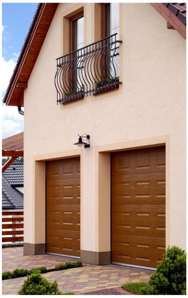 sekční posuvná, výsuvná, křídlová nebo roletová vrata Okna&Company, s.r.o. v Třebíči