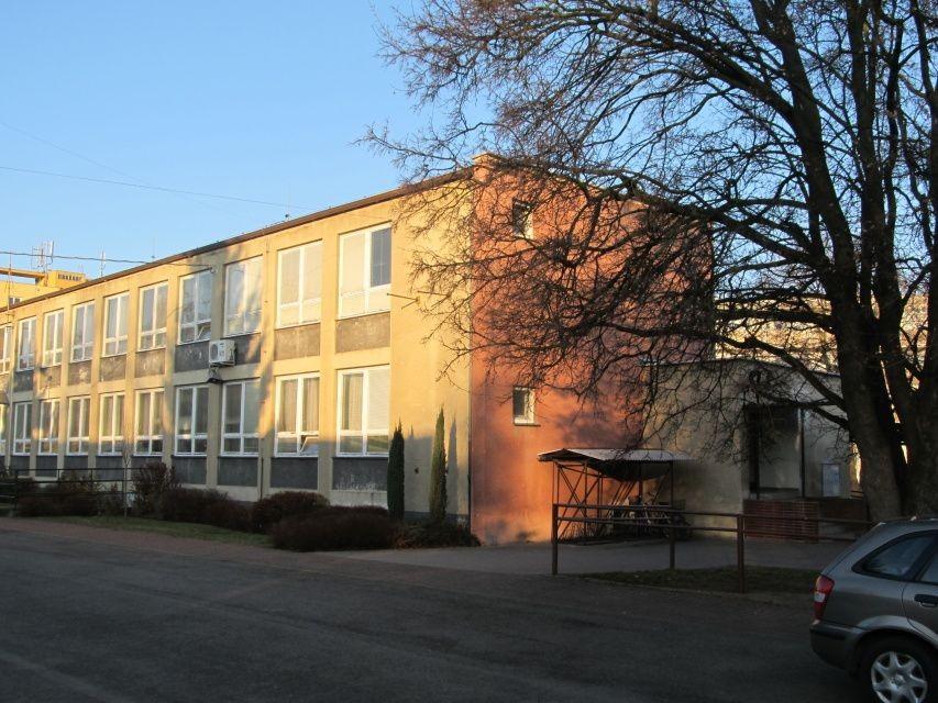 ZŠ s paralelní výukou metodou montessori, Pardubice