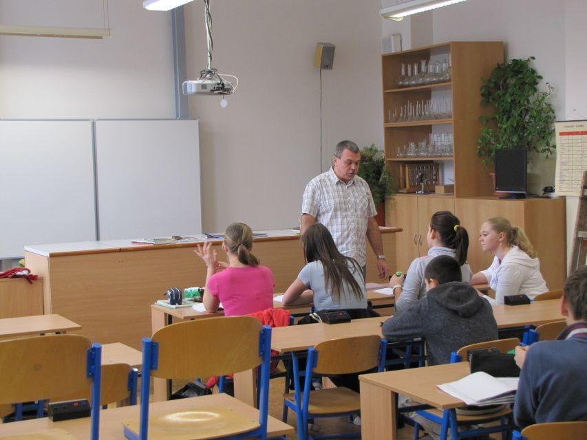 Bohatý výběr zájmových kroužků, Základní škola Pardubice-Polabiny, Družstevní 305