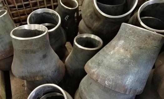 Výroba potrubních dílů Hradec Králové - vyrábíme svařované potrubí i nádrže