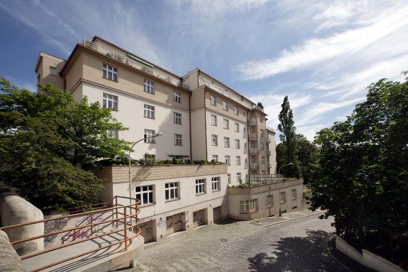 Výstavba administrativních a komerčních budov Praha