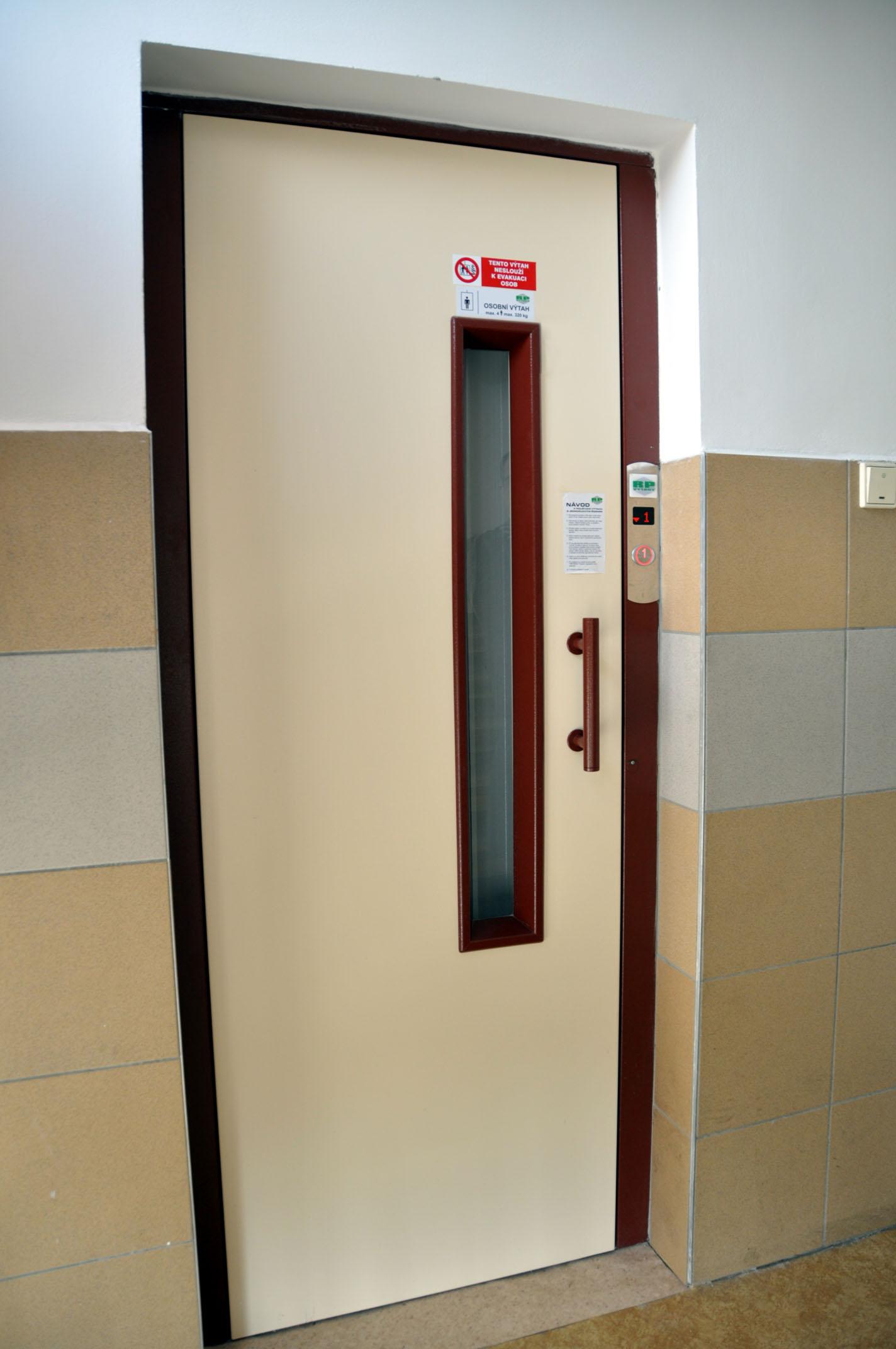 Výtahy, osobní, nákladní, Hradec Pardubice Náchod Trutnov Rychnov