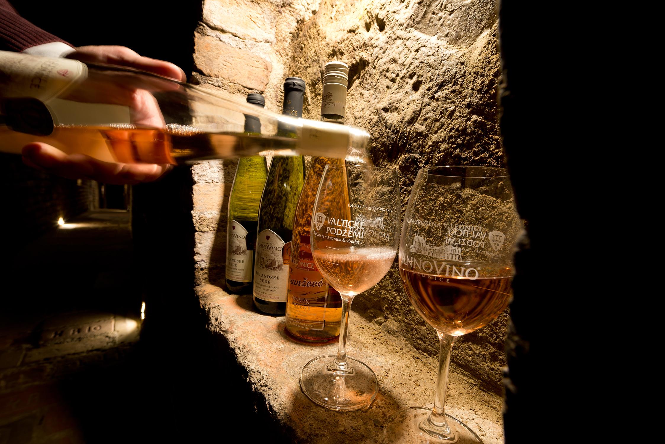 Vinařství Valtické podzemí a ochutnávky vína