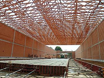 Vazníkové střešní konstrukce pro zastřešení budov