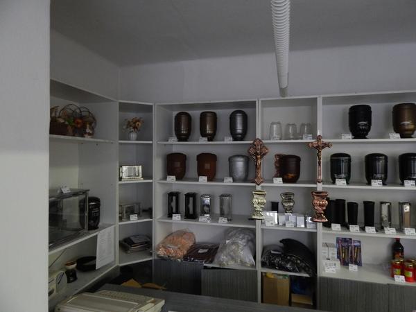 Pohřební služba Plzeň a prodej pohřebního zboží