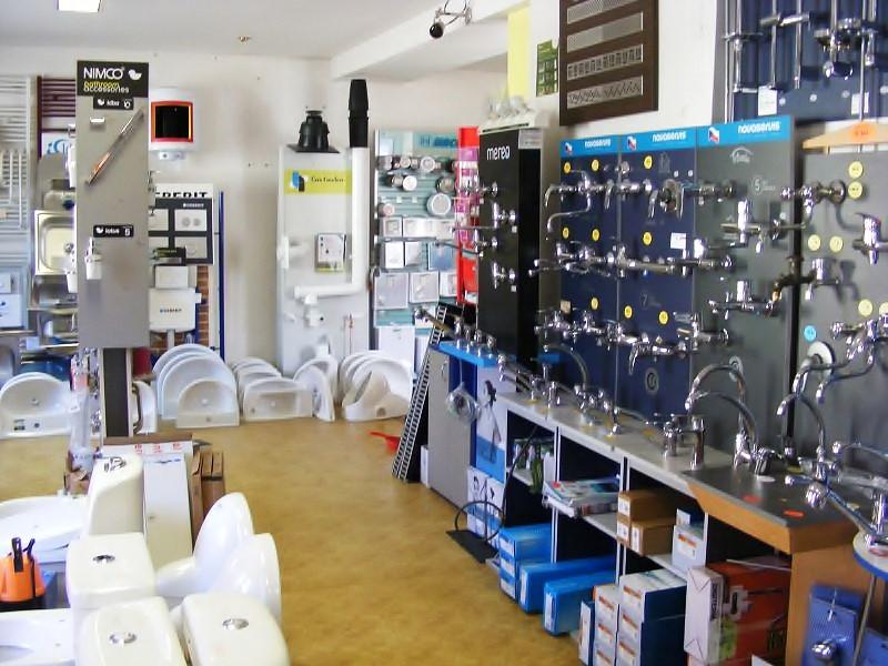 Vybavení do koupelen, sanitární zboží a další vodo topo materiál
