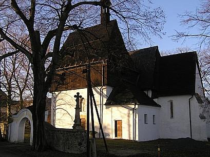 Obec Líšnice, okres Šumperk, historické památky kostel Všech svatých, zřícenina hradu