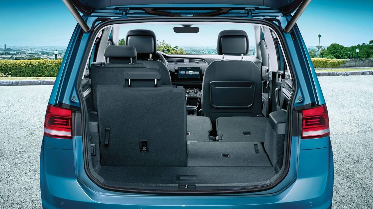 Volkswagen Touran - vůz jako stvořený pro rodiny s dětmi