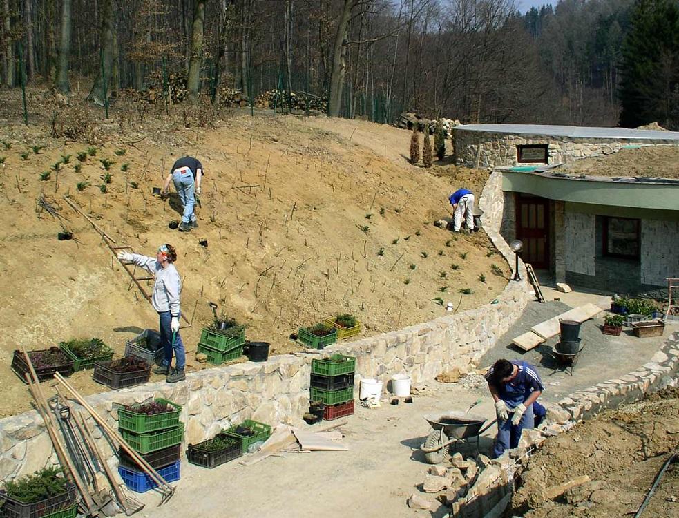 Kompletní zahradnické služby od návrhu zahradního architekta po realizaci zahrad, parků