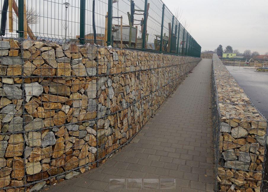 Gabionové prvky ze splétaných sítí pro opěrné a zárubní zdi, okres Brno