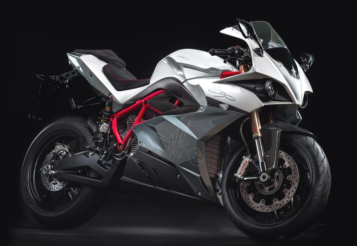 Italské superbiky s elektrckým pohonem