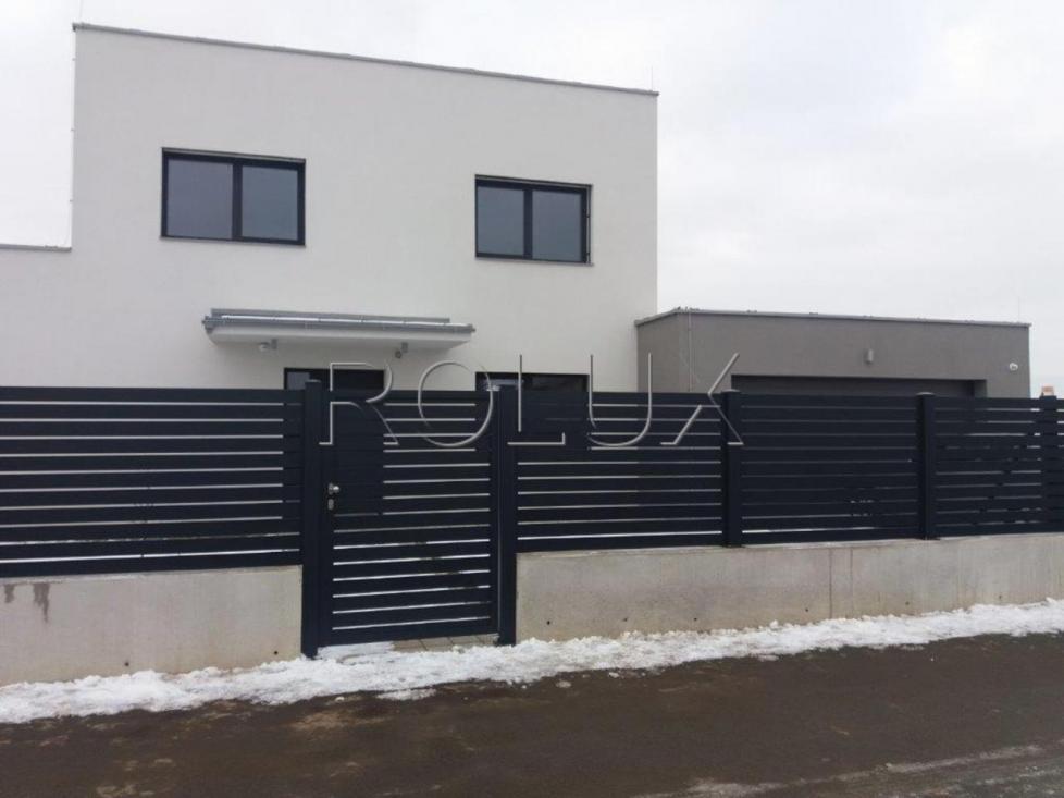 Hliníkové ploty, brány a branky vyráběné na zakázku dle přání zákazníka