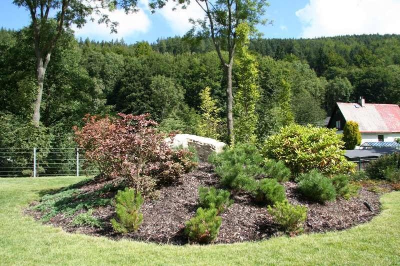 Hrabání listí a jeho odvoz z Vaší zahrady