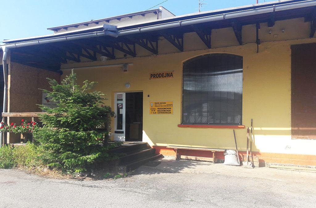 Prodej elektroinstalačního materiálu Dvůr Králové nad Labem - velkoobchodní a maloobchodní prodej
