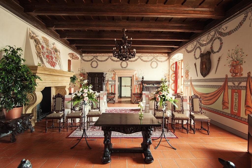 Možnost obřadu v historicky stylizovaných prostorách, jako je Rytířský sál