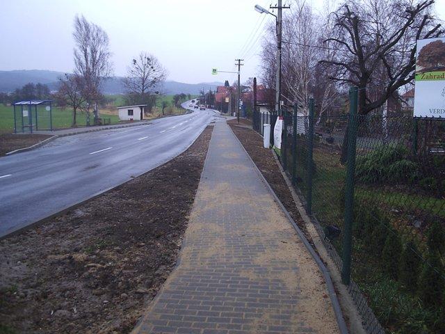 Údržba a oprava silnic, realizace komunikací, chodníku Zlín