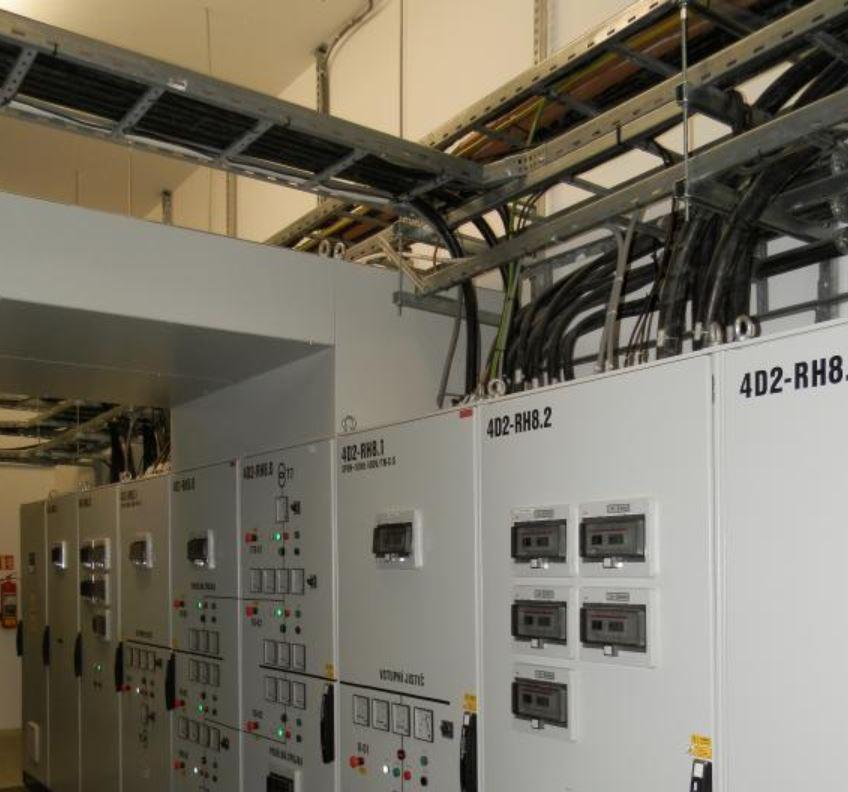 Centrální řídící a monitorovací systém inteligentních budov