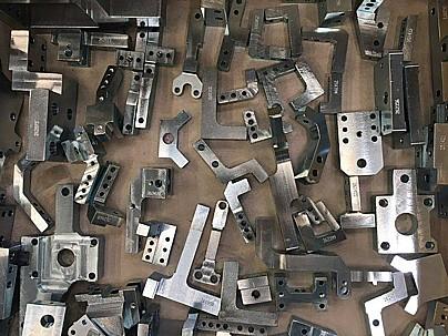 CNC obrábění a konvenční frézování, zakázková kovovýroba