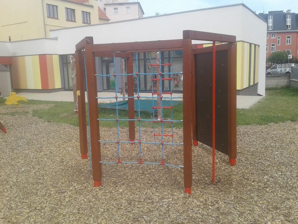 Realizace certifikovaných dětských hřišť a herních prvků