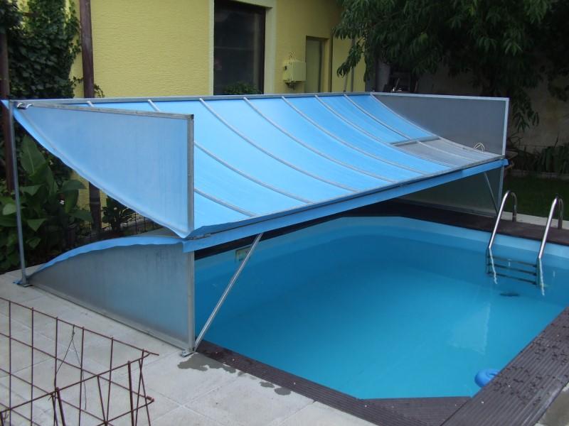 Krytování nadzemních i zapuštěných bazénů usnadní jejich údržbu