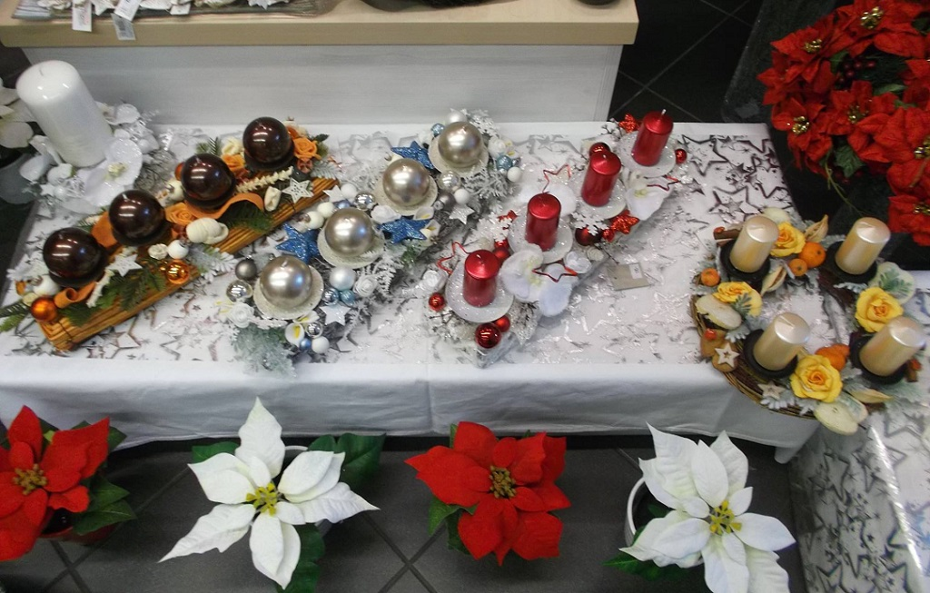 adventní věnce a doplňky s vánoční tématikou