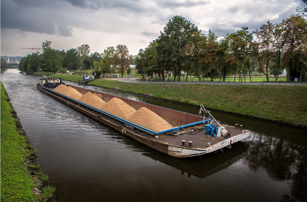 Šetrná lodní doprava materiálu do betonárek