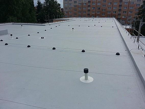 PE STAV JH s. r. o., Jindřichův Hradec, zateplení a hydroizolace plochých střech