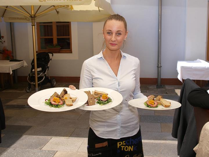 Stylová restaurace v centru Českých Budějovic, večírky, oslavy