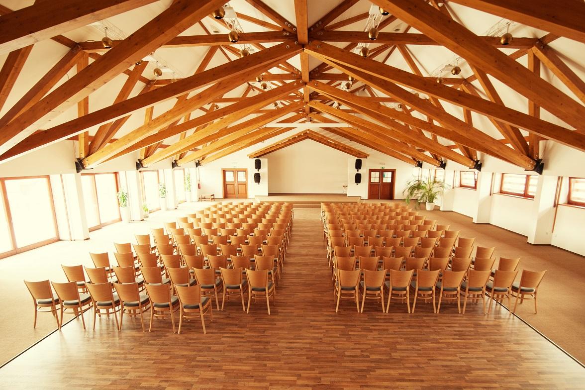 Moderní prostory pro konání konferencí, firemních akcí a teambuldingů