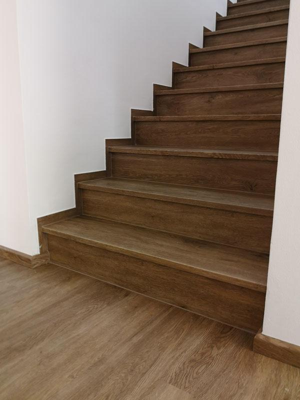 Vinylová schodiště na klíč – skvělé řešení pro Váš interiér