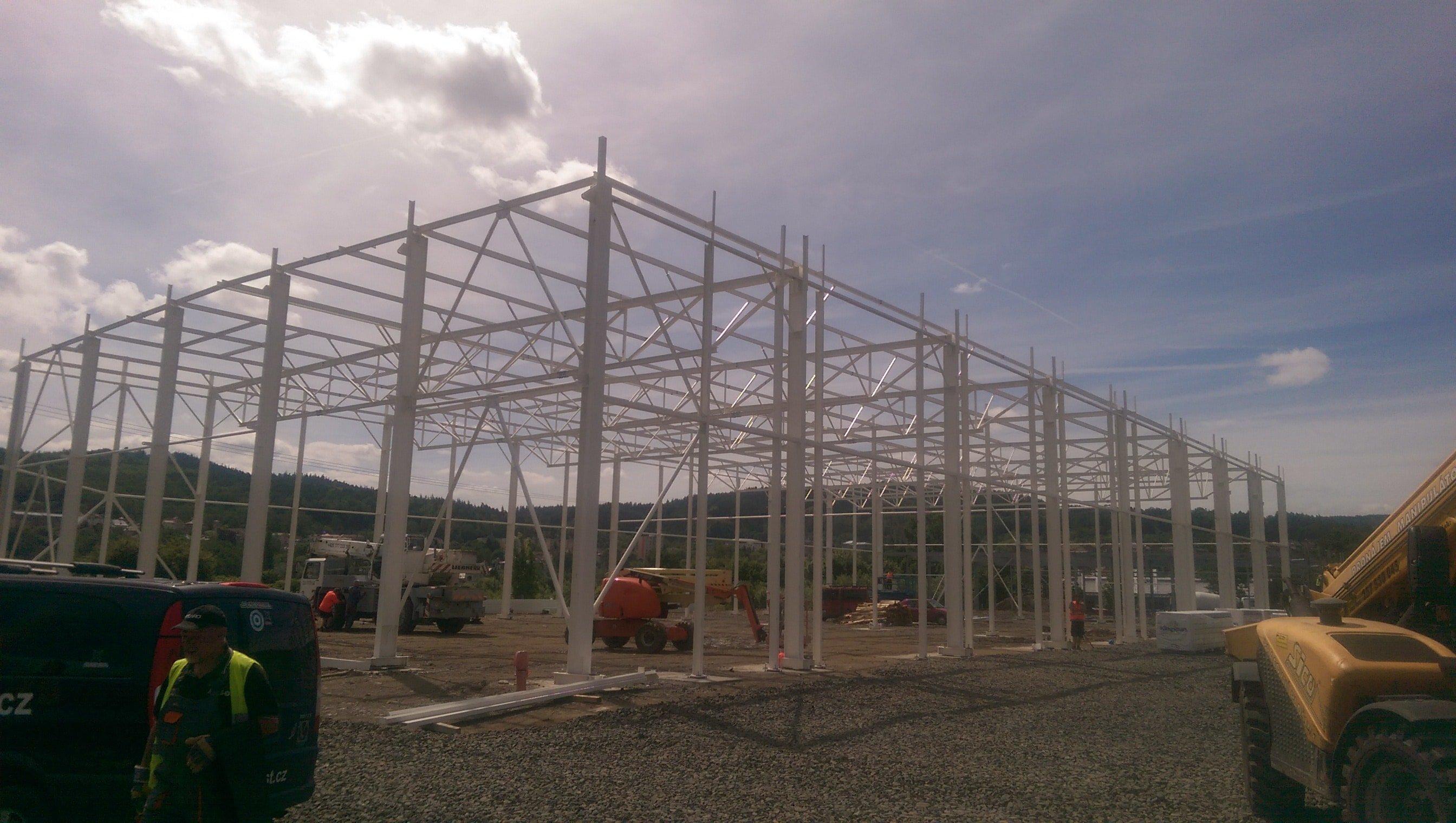 ocelové konstrukce pro montované haly