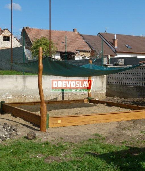 Dřevěná konstrukce na zastínění pískoviště