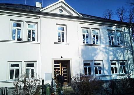 DAHEPO EURO, spol. s r.o., Boskovice, výrobadřevěných špaletových oken pro památkově chráněné objekty