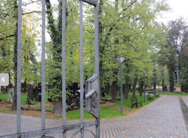 Zrekonstruovaný hřbitov Strašnice
