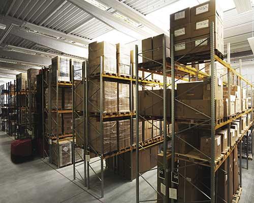 Logistické centrum Domažlice - distribuce brýlí