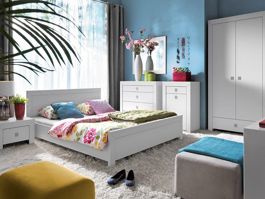 Nábytek do ložnice – postele, noční stolky, skříně, toaletky