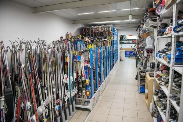 prodej lyží, snowboardů a vybavení - nové i použité zboží