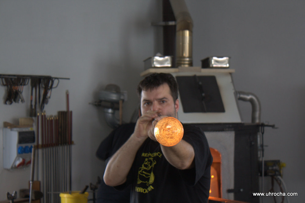Výroba foukaného skla