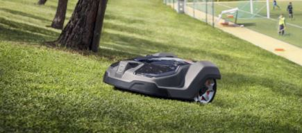 Robotické sekačky na trávu – vysoká výkonnost a snadná instalace